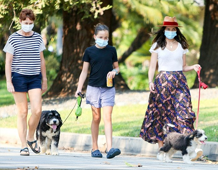 Ben Affleck's daughter, Seraphina, joins Ana de Armas for a dog walking afternoon in Los Angeles on August 20, 2020