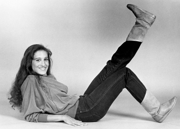 Footloose features an early film appearance by Sarah Jessica Parker as Rusty