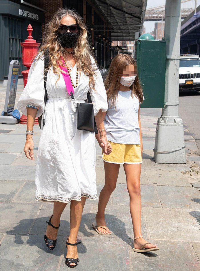 Sarah Jessica Parker takes her daughter Tabitha to her boutique at the Seaport District in Downtown, Manhattan on August 11, 2020