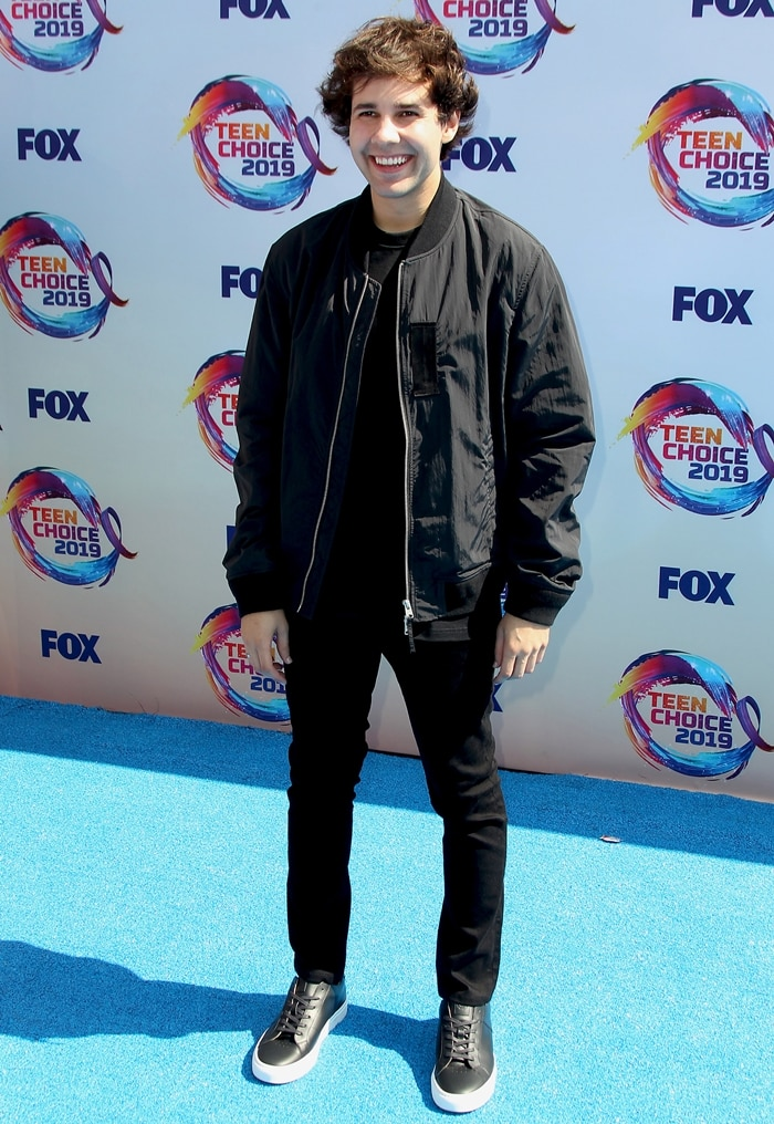 YouTuber David Dobrik co-hosted the Teen Choice Awards in 2019
