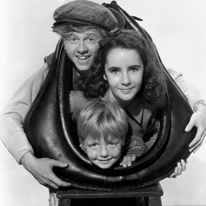 Elizabeth Taylor became a popular teen star after appearing in National Velvet (1944) with Mickey Rooney and Jackie 'Butch' Jenkins