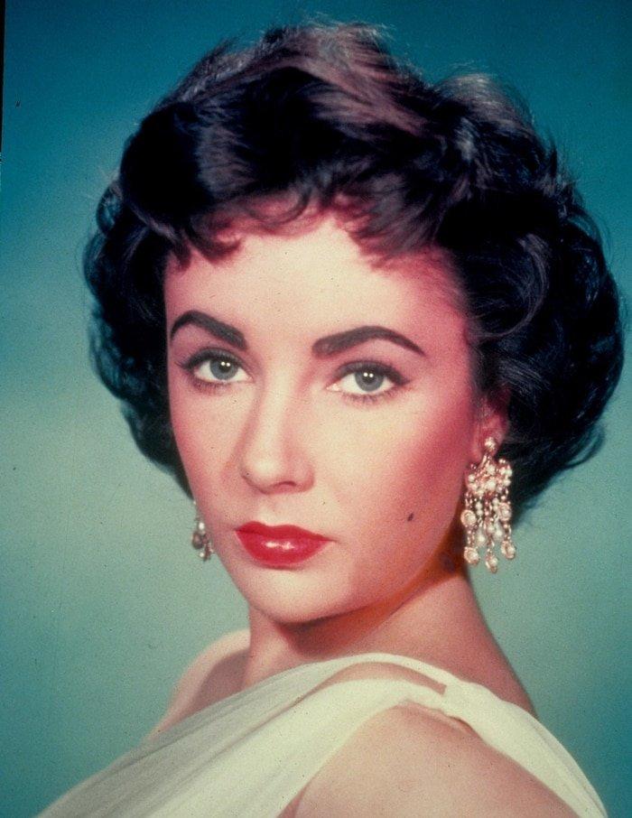 Elizabeth Taylor's pretty eye color always drew attention