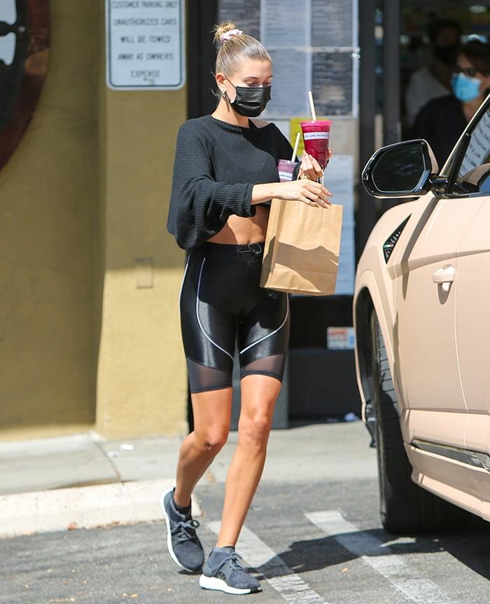 Hailey Bieber grabs post-workout juice in LA on August 28, 2020