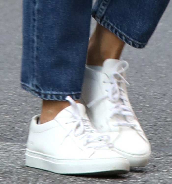 Katie Holmes completes her errand look with Common Projects sneakers