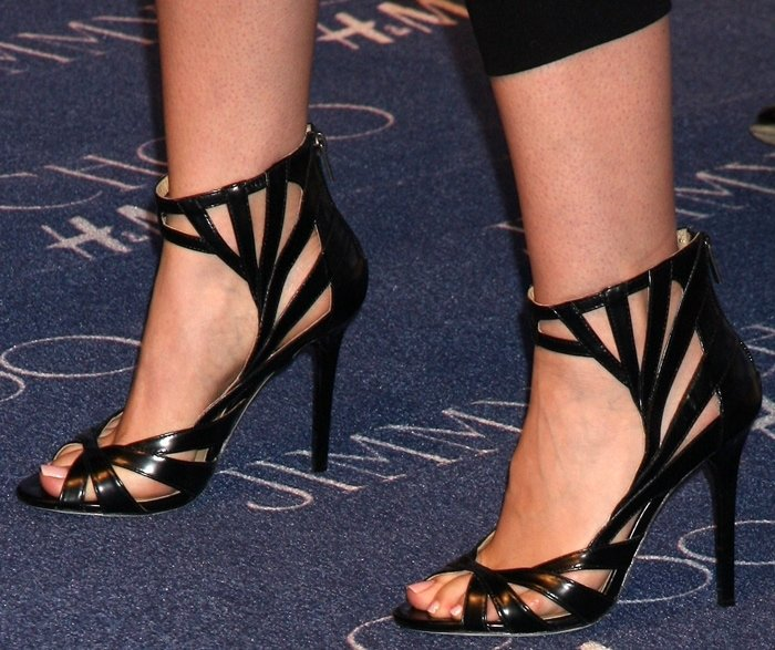 Lily Collins' sexy feet are shoe size 7.5 (US)