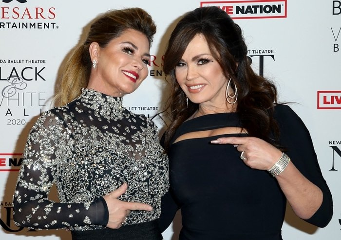 Entertainer Marie Osmond (R) poses with the recipient of the Nevada Ballet Theatre's 2020 Woman of the Year award Shania Twain during the 36th annual Black and White Ball honoring Nevada Ballet Theatre's 2020 Woman of the Year event