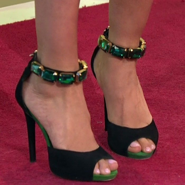 Mel B's sexy feet are shoe size 8.5 (US)