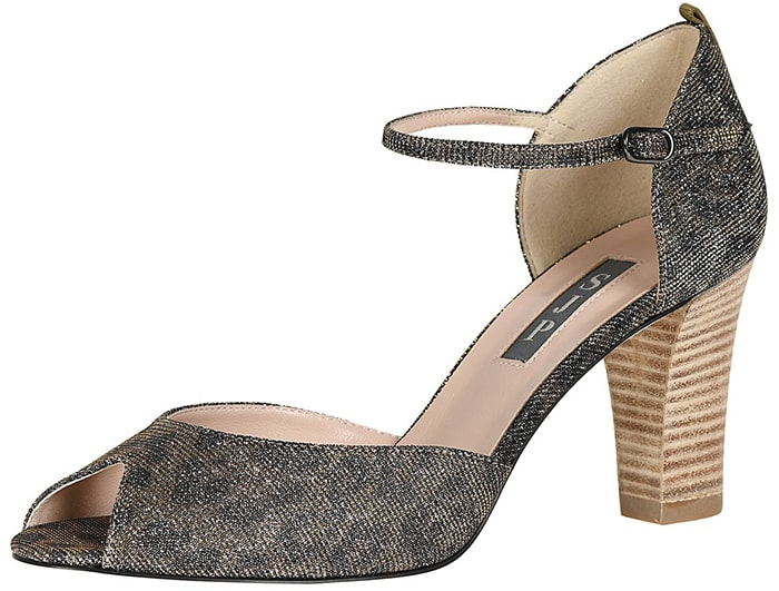 One of SJP's favorite open-toed silhouettes on a slightly lower block heel