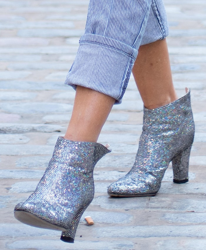 Sarah Jessica Parker reps her label in Minnie boots