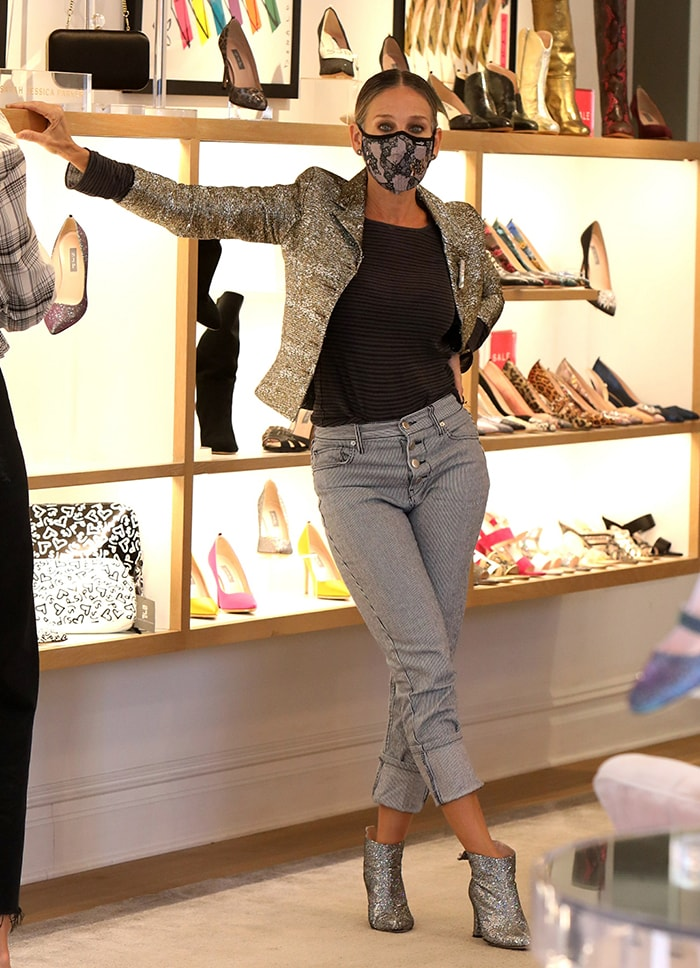 Sarah Jessica Parker visits her South Street Seaport store in New York City on September 23, 2020
