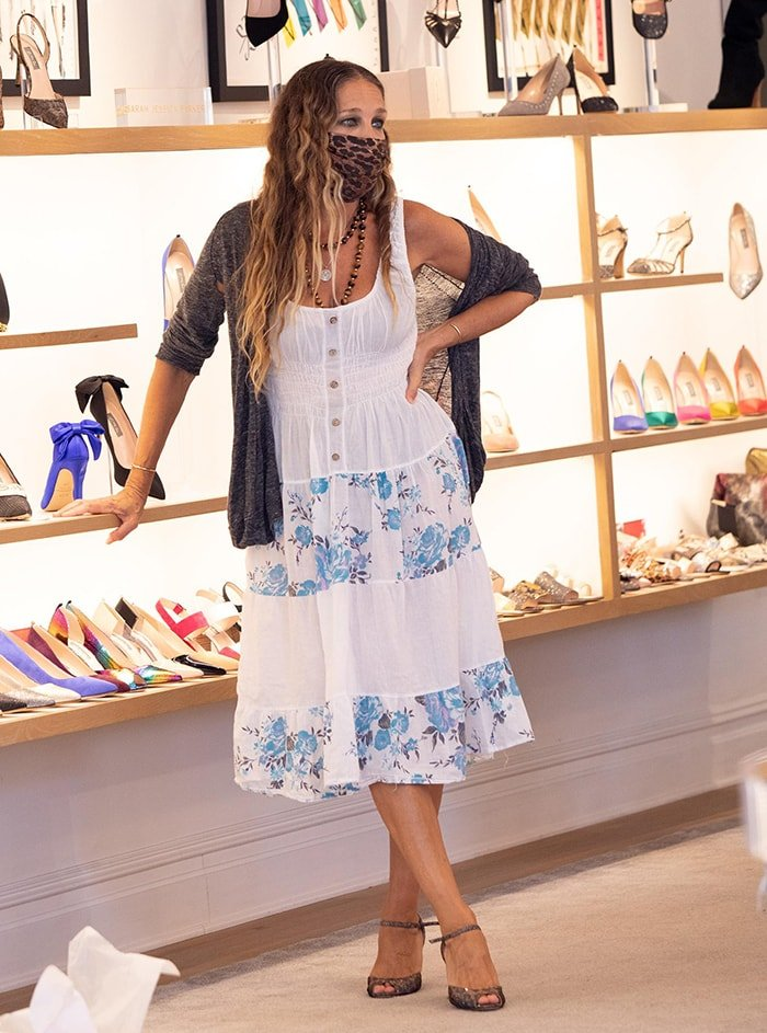 Sarah Jessica Parker visits her South Street Seaport SJP store on August 26, 2020