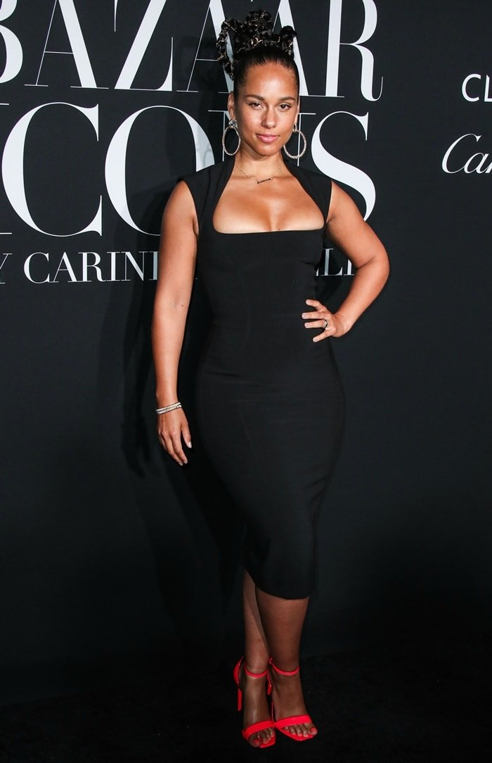 Alicia Keys wore a form-fitting black Mugler dress and Saint Laurent heels