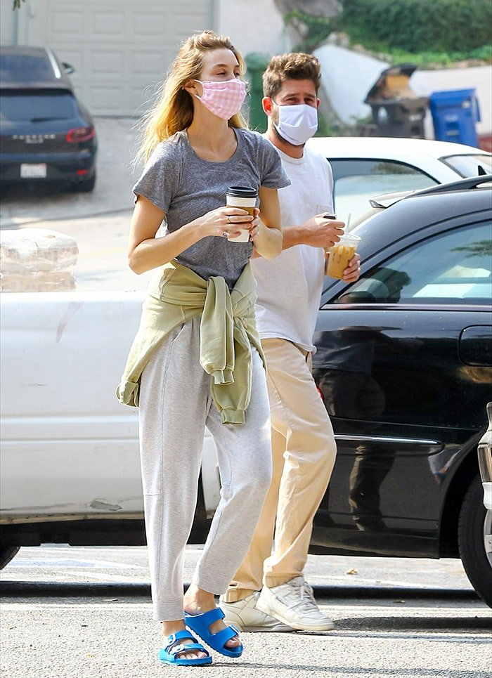 Whitney Port teams her Birks with gray tee and sweatpants