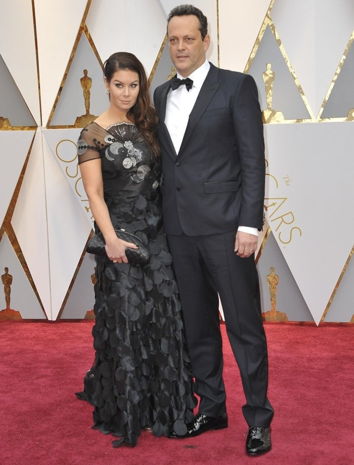 Actor Vince Vaughn (L) and his wife Kyla Weber attend the 89th Annual Academy Awards