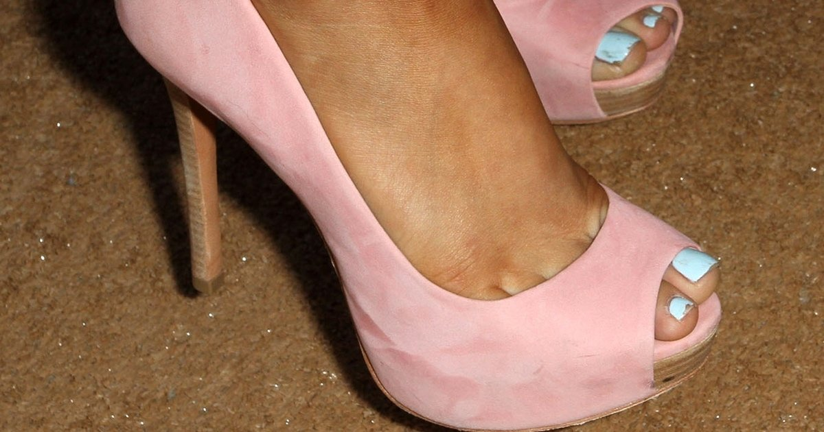 Hot ariana legs grande Ariana Grande's