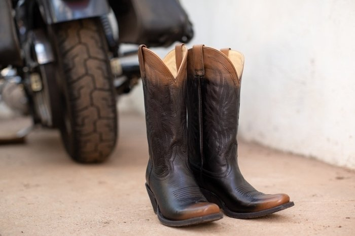 Ariat's Circuit ombre boot featuring winning good looks and performance technology made for the ride