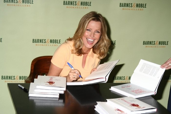 In 2005, Cheryl Ladd published Token Chick: A Woman's Guide to Golfing With the Boys, an autobiographical book which focused on her love of golf