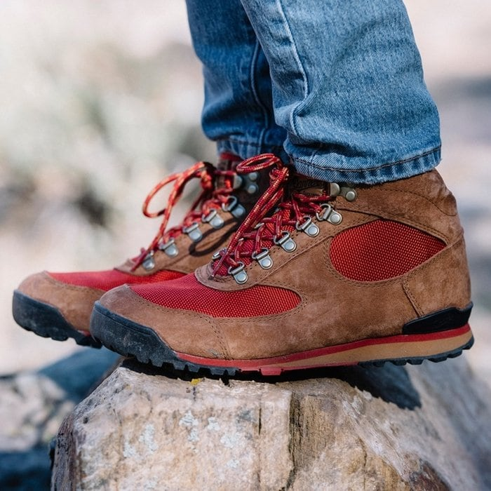 Offering superior traction and lightweight durability for easy transitions from urban walks to trail hikes, Danner's Jag shoes debuted in the '80s as a lightweight alternative to heavy-duty hiking boots