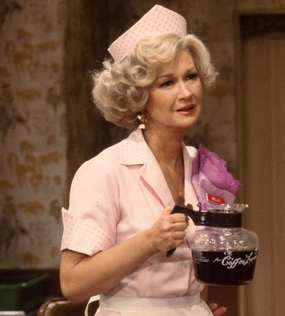 """Diane Ladd as Isabelle """"Belle"""" Dupree on Alice, an American sitcom television series that aired on CBS from August 31, 1976, to March 19, 1985"""
