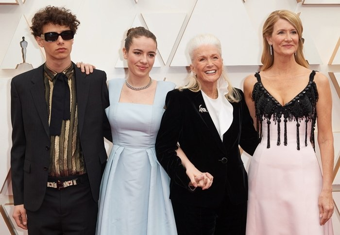 Laura Dern with her mother Diane Ladd, her son Ellery Harper, and her daughter Jaya Harper