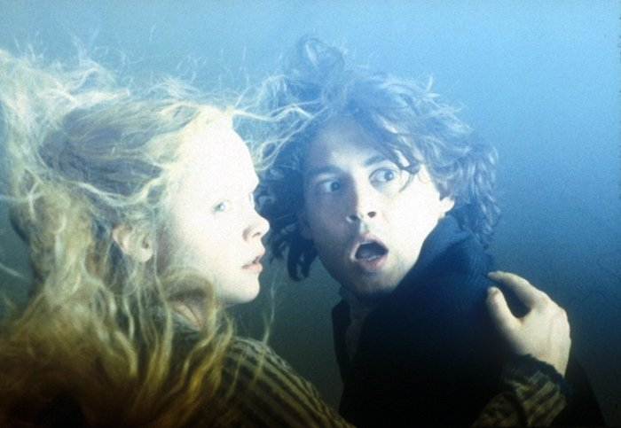 Johnny Depp and Christina Ricci in Sleepy Hollow, a 1999 American gothic supernatural horror film