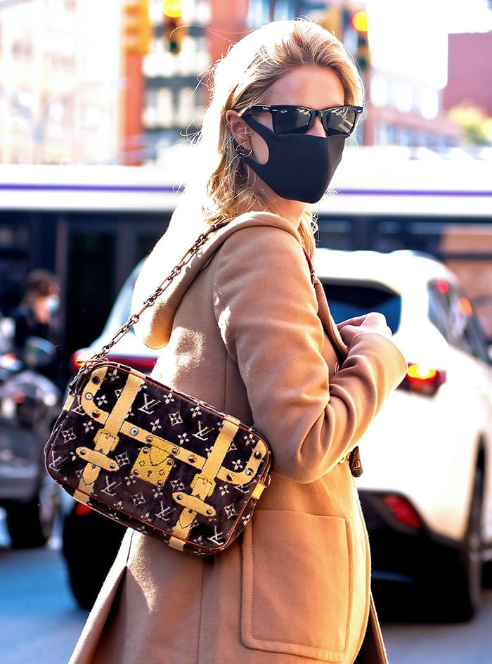 Nicky Hilton amps up her casual look with a Louis Vuitton handbag
