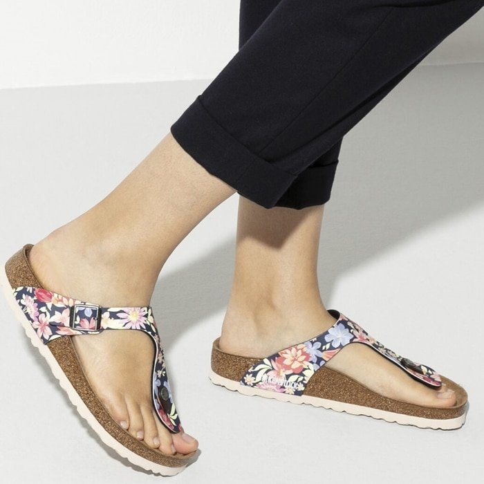 Birkenstock's elegant Gizeh thong sandal combines optimum grip with minimalist, fashionable design