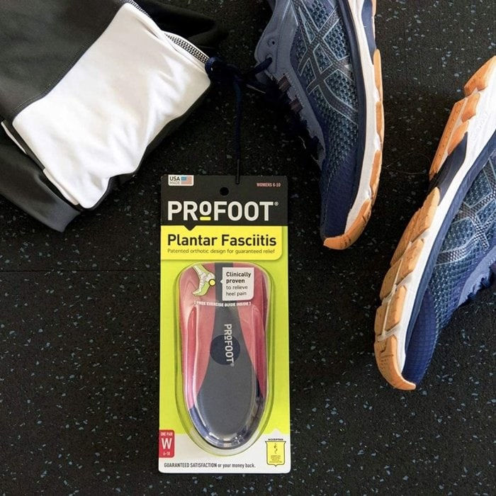 This orthotic insert is designed to fight inflammation and burning or aching pain in the heel associated with plantar fasciitis