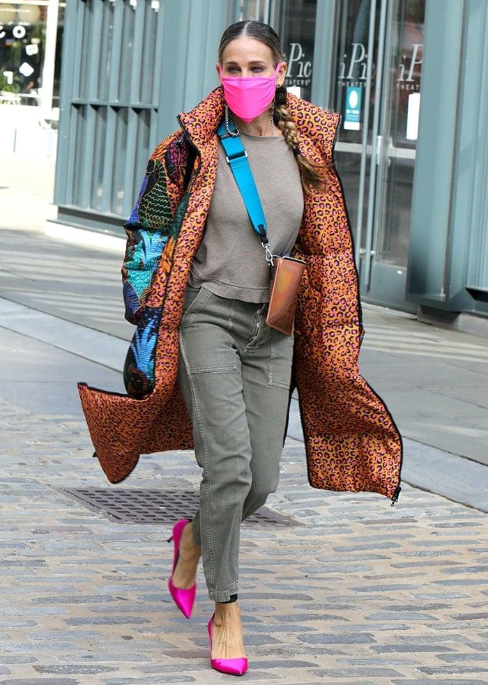 Sarah Jessica Parker visits her Seaport shoe store on November 19, 2020