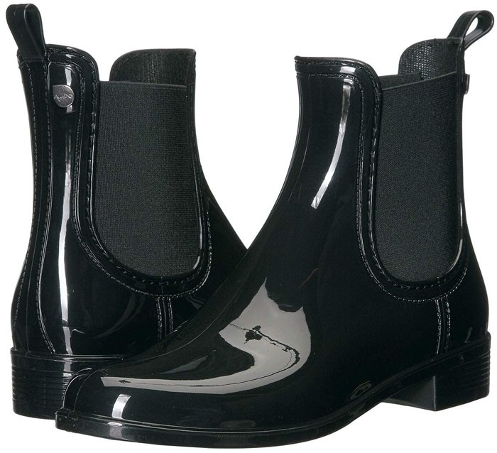 These black rain boots with a breathable textile lining and lightly cushioned, stationed insole have you covered