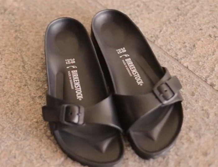 Air-dry your rubber sandals