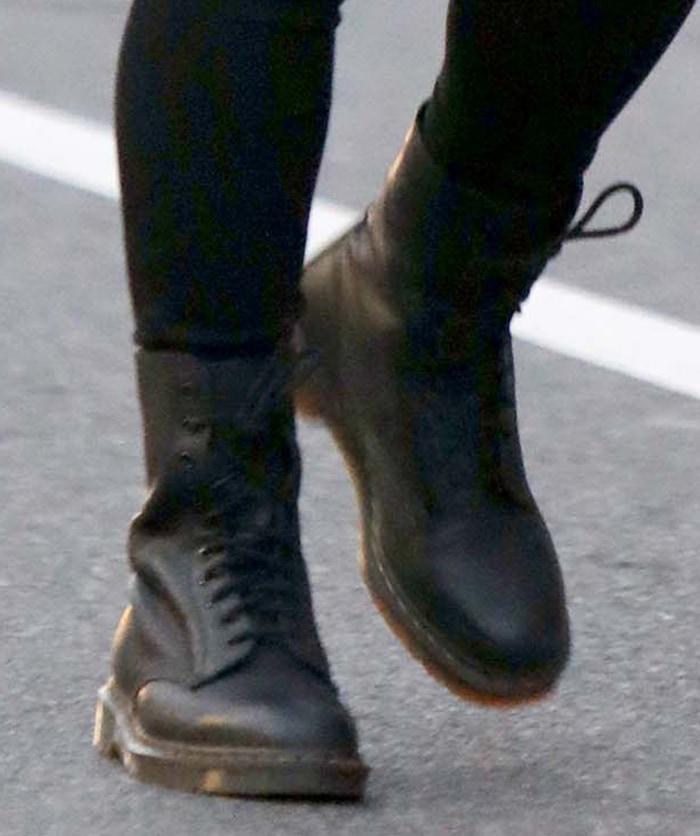 Hailee Steinfeld has been wearing Dr. Martens' 1490 boots on Hawkeye set