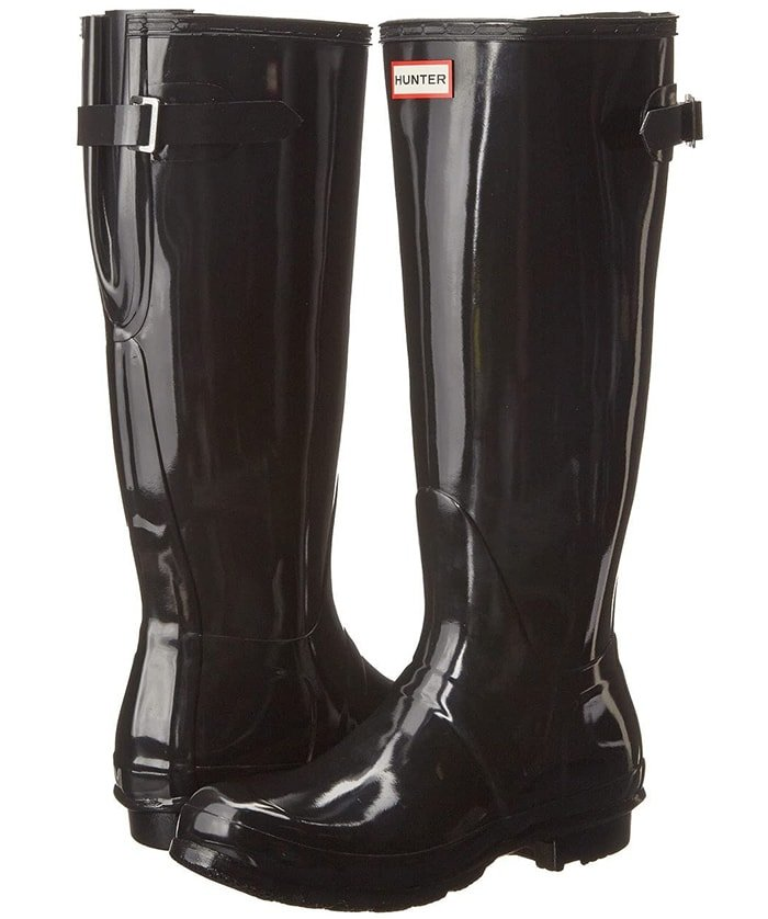 Every storm has a silver lining because you can step out in the classic Hunter Original Back Adjustable Gloss boots