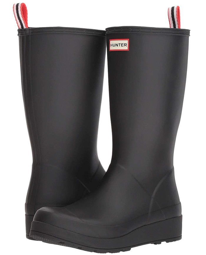 This lightweight version of a classic Hunter rain boot retains all the style and waterproof practicality of the original, in a streamlined, updated silhouette