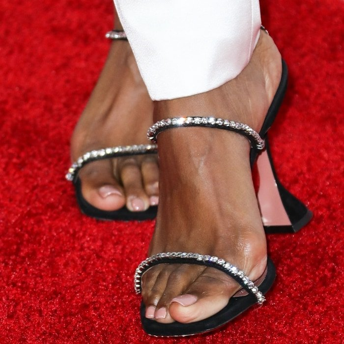 Kelly Rowland's feet are shoe size 9 (US) (Credit: Avalon / WENN)