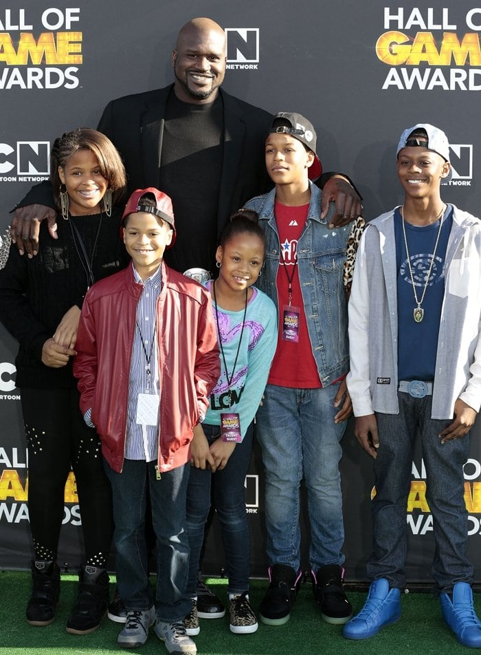 Taahirah O'Neal, host Shaquille O'Neal, Shareef O'Neal, Shaqir O'Neal, Me'arah O'Neal, and Myles O'Neal attend the Third Annual Hall of Game Awards