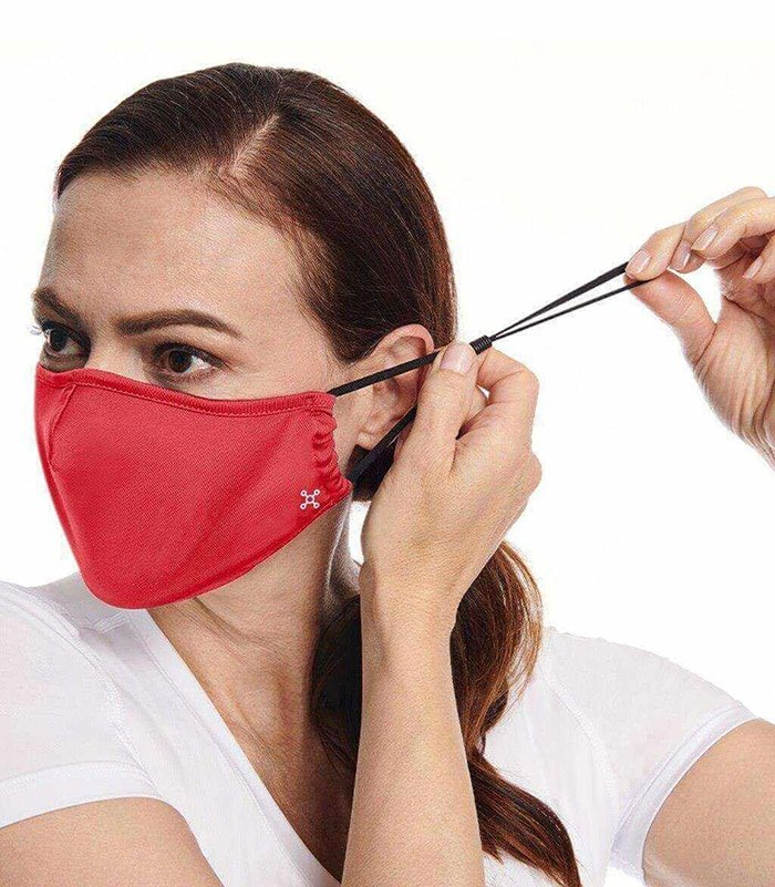 Tommie Copper Community Wear face masks have adjustable ear loops and nose wires for a perfect fit