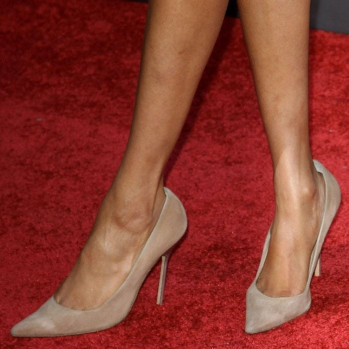 Tyra Banks has big feet and wears shoe size 12 (US)