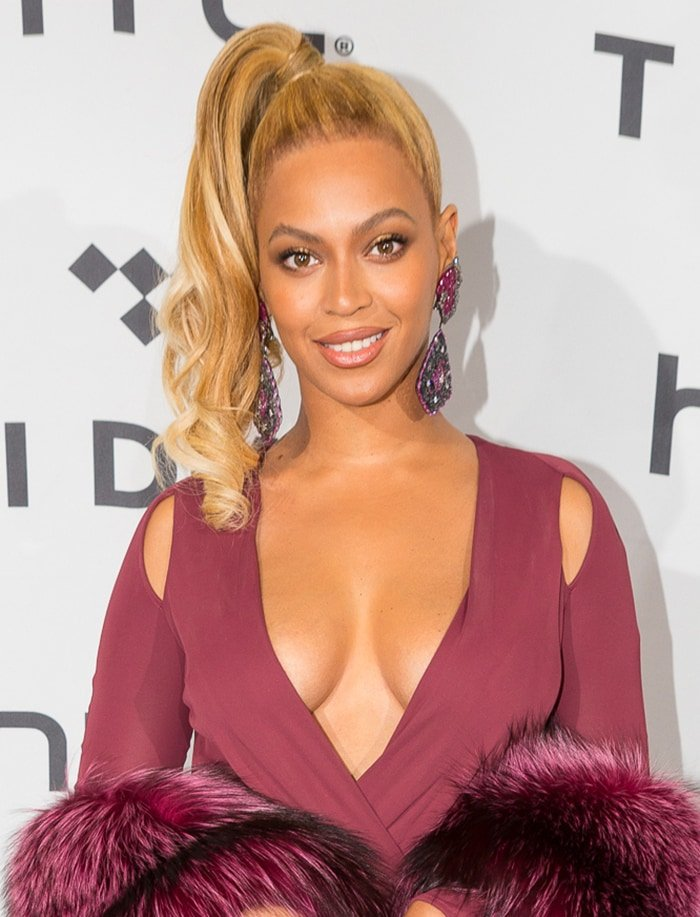 Beyonce proudly displays her decolletage and cleavage in Philipp Plein dress at the Tidal x 1020 Amplified on October 20, 2015