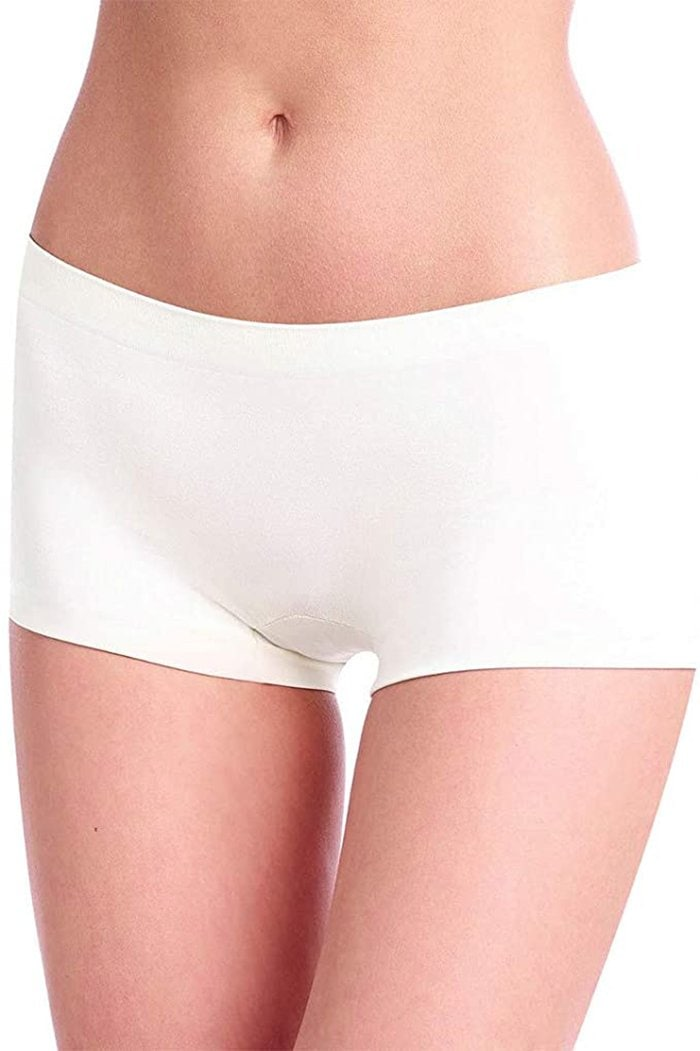 These simple Commando boyshorts are crafted from smooth, fine fabric that provides light compression