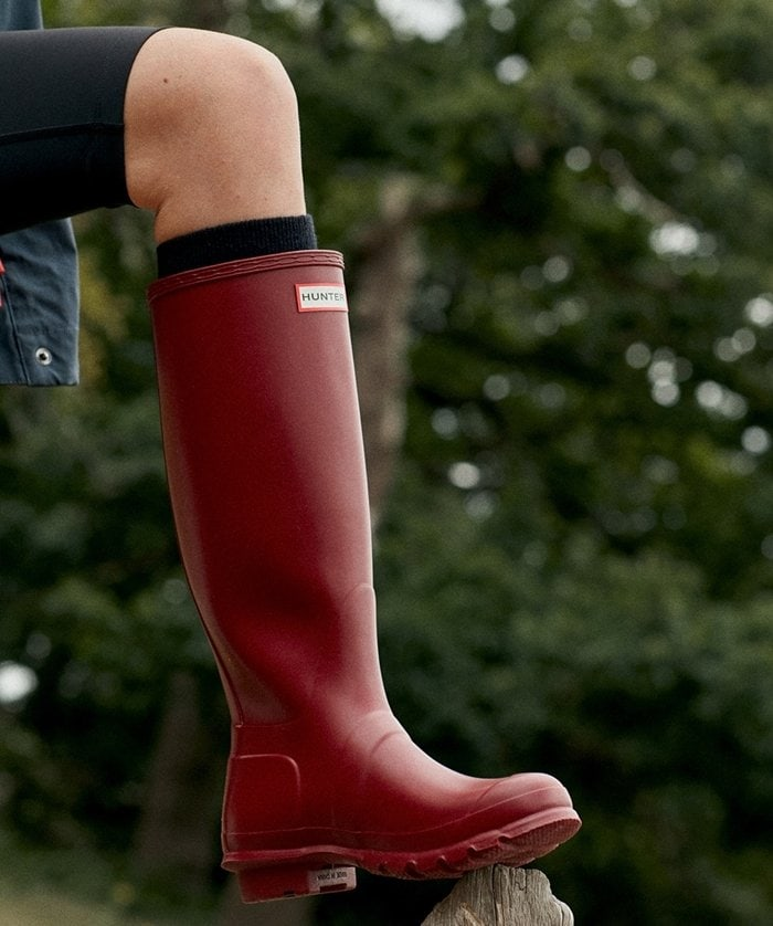 First introduced in 1956, Hunter's Original Tall boot is handcrafted from 28 parts and built on the original last for exceptional fit and comfort