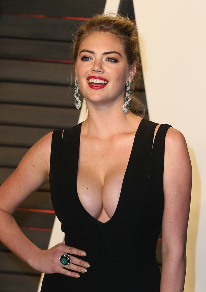 Kate Upton and her 32DD breasts in Victoria Beckham gown at the 2016 Vanity Fair Oscar Party on February 28, 2016
