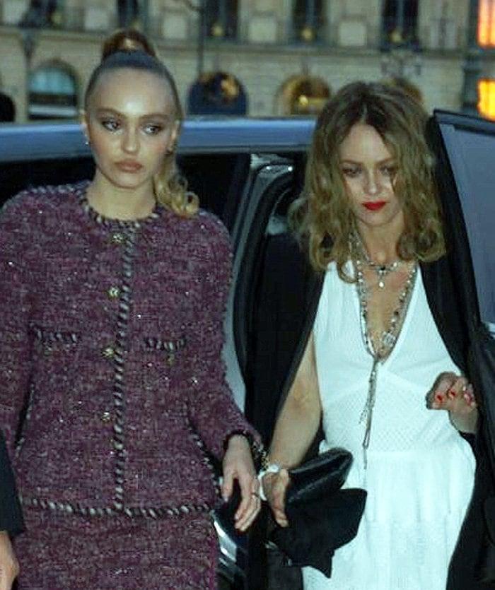 Lily-Rose Depp inherits her mom Vanessa Paradis' good looks