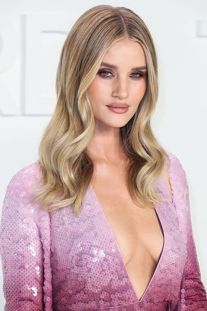 Rosie Huntington-Whiteley shows off her natural boobs at Tom Ford Autumn/Winter 2020 Fashion Show on February 7, 2020