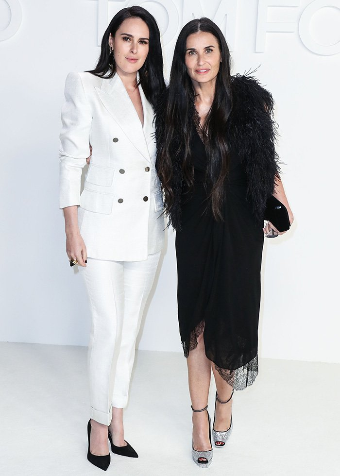 Rumer Willis and Demi Moore look like twins at the Tom Ford Autumn/Winter 2020 Fashion Show on February 7, 2020