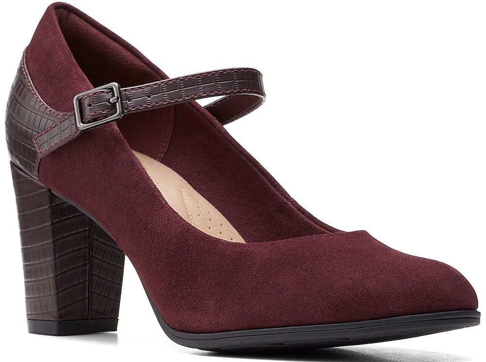 Dress up with the Clarks Alayna Mary Jane pumps, featuring comfy Ortholite footbed and block heels