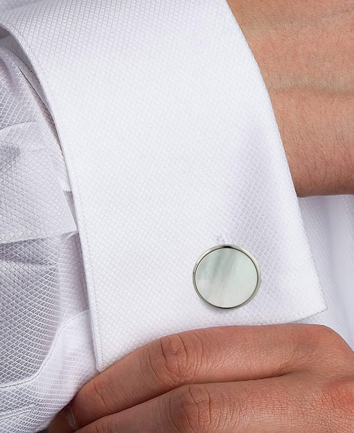 Finish your dress shirt with round mother-of-pearl cuff links