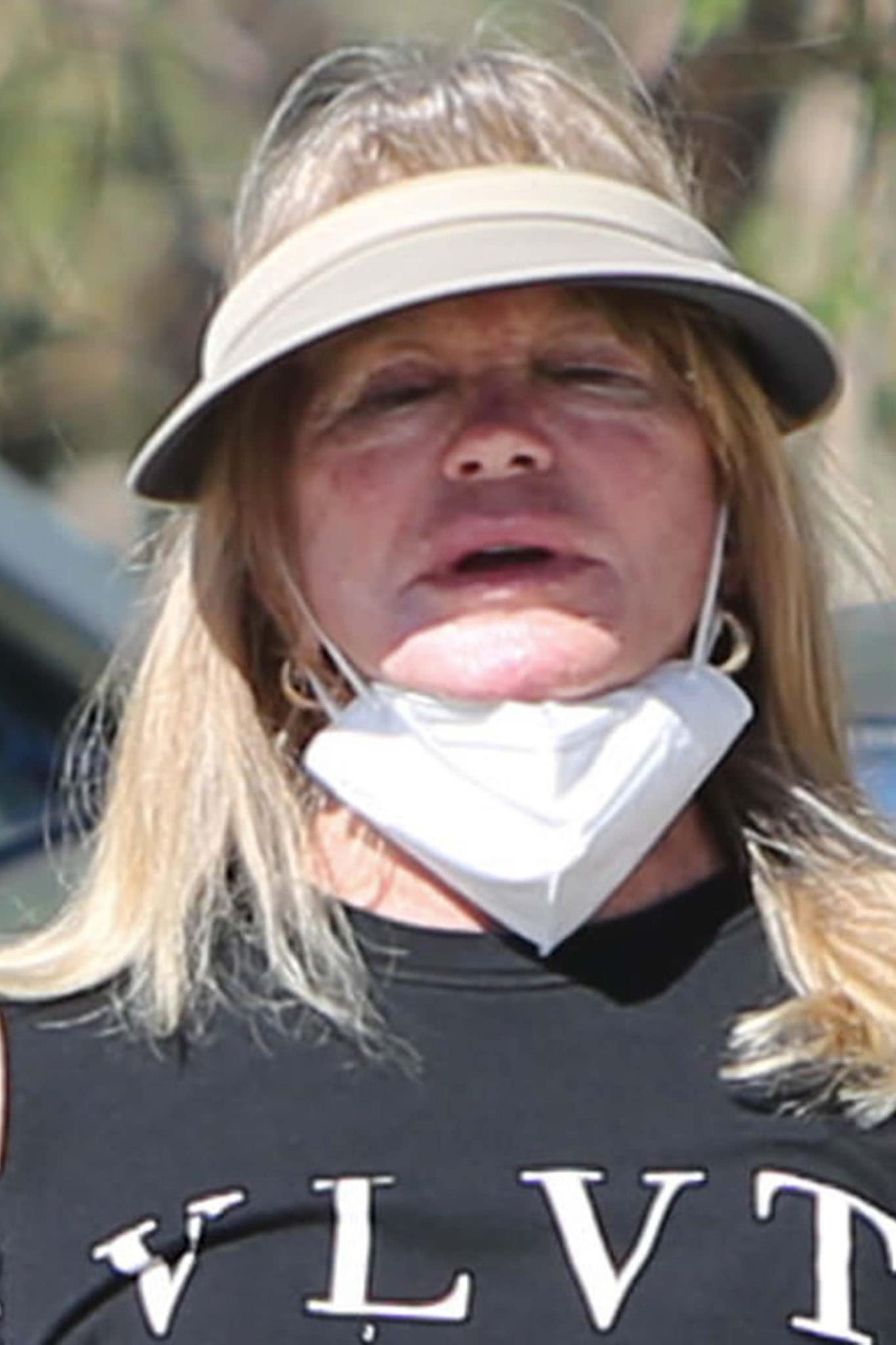 Goldie Hawn looks unrecognizable without makeup while out hiking in Los Angeles