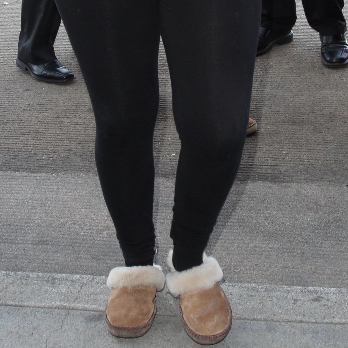 Meghan Trainor wears slippers with leggings