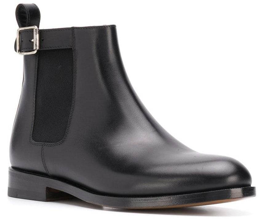 These Scarosso buckled Chelsea boots feature side buckle fastening